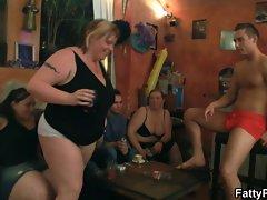Fat chicks have fun in the pub