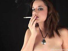 Lynn Elizabeth - Smoking Fetish at Dragginladies