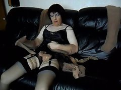 Sue cums in nylons