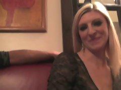 Cynthia fucked in a restaurant