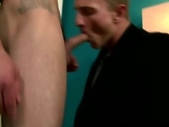 Marcus Mojo enjoys hard cock sucking action