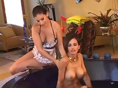 Catalina Cruz and her sexy maid in bathtime fun