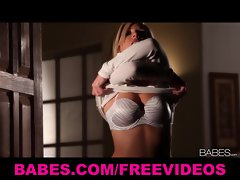 Sexy busty blonde babe Niki strips & masturbates