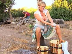 Nasty blonde Kelly Madison stops her cleaning for a good cocking