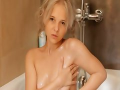 Shaving of beautiful 18yo blonde cunt