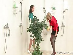 WAM scene with lesbos getting messy