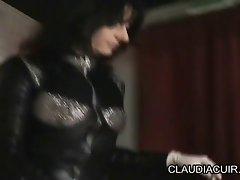 dominatrice claudiacuir maitresse sm premiere seance bdsm