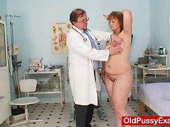 Shaggy fatty momma gets harrassed by gynecologist