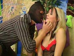 Blond bimbo blindfolded and sucking