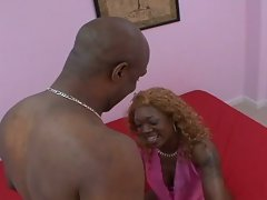 Mature chick ebony gets her phat ass ride