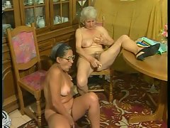 Amateur grannies out for some solo plugging