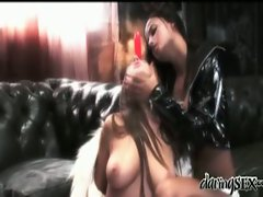 Wild Lesbian Pussy Lick Action
