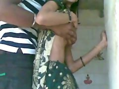 indian fuck in saree dress in temple.