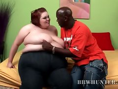 Black guy seduces a fat girl and gets head
