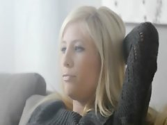 Super hot blonde beauty rubbing the clit