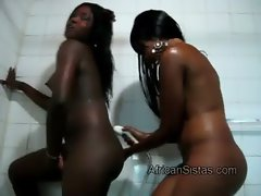 Dark skinned hotties Sajeda and Fatima get lathered up together