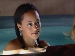 Essence Atkins - XCU Extreme Close Up (Nip)