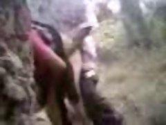 Azeri kadini ormanda sikiyorlar... (Kotu Kalite)