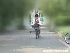 SDMS-598 - Seductive japanese Bicycle Ejaculation 3