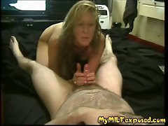 Amateur Mommy licking her hubby's weeny shaft and filthy talk