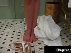 Smoky Blue Eyed Brittany Suds Up Cunt In Bathtub!