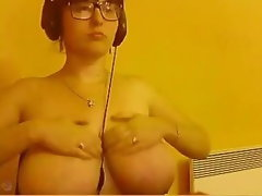 Eva displays enormous tits on webcam