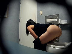 Hidden web cam - Graceful Asian with a stunning bum in the bathroom