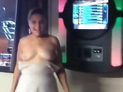 Rosemary dancing with hooters out