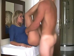 Tempting blonde oral job