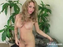 Yanks Light-haired Mya McKay's Pinkish Vibe