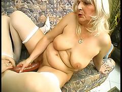 Blonde grannies fuck with huge dildo