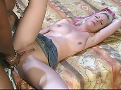 Black stud bangs a blonde babe's butt