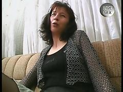 Amateur MILF in sexy stockings masturbates