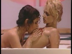 Retro pussy licking with Sindee Coxx and friend
