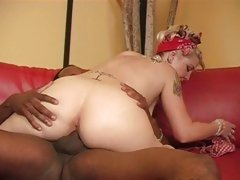 Kinky slut Candy Monroe gets blasted up her pink taco