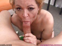 Kelly Leigh sucks a big dick