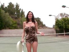 Rampant Veronica Avluv looks amazing playing tennis