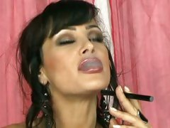 Smoking hot Lisa Ann plays with her amazing body