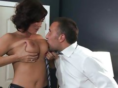 Sizzling Diamond Foxxx gets her massive melons out