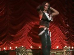 Brandy Aniston do naughty dance on stage
