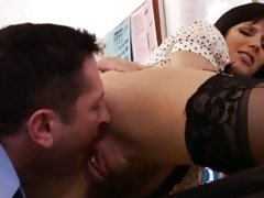 Bobbi Starr get her cunt lick at the office