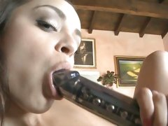 Liza Del Sierra licking of vibrator after her cunt