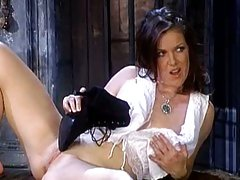 Kira Reed babe use her boot to fuck her cunt