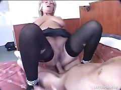 Veteran hooker Makes her chap spurt fast