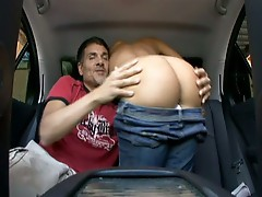 Amateur fucked in back seat and she gets a huge load