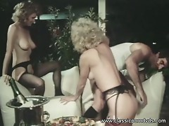 Threesome with two awesome blonde vintage cock suckers