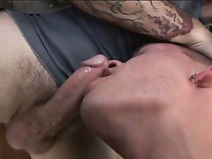 Horny gay dude sucks massive cock