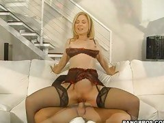 Lusty hussy Nina Hartley gets her bald cunt fucked by large cock