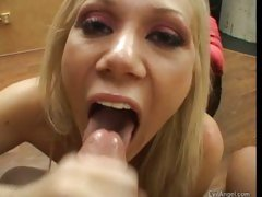 Porn pro Samantha Sin wrapping her pretty lips around a hard dick