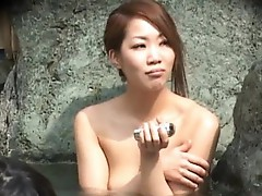 Wicked oriental Babe is an exhibiTonist
